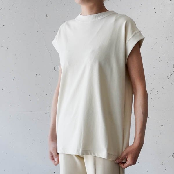 OUD(ウード)Twisted N/S T-shirt