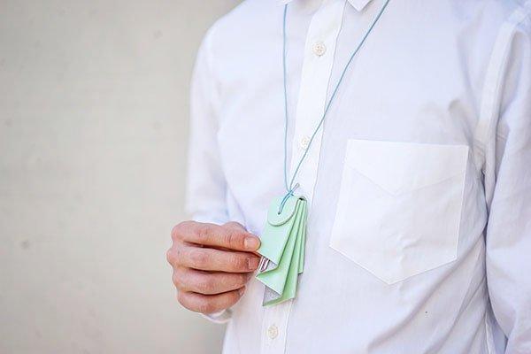 irose (イロセ) aurora key holder mint 首から下げて使えます