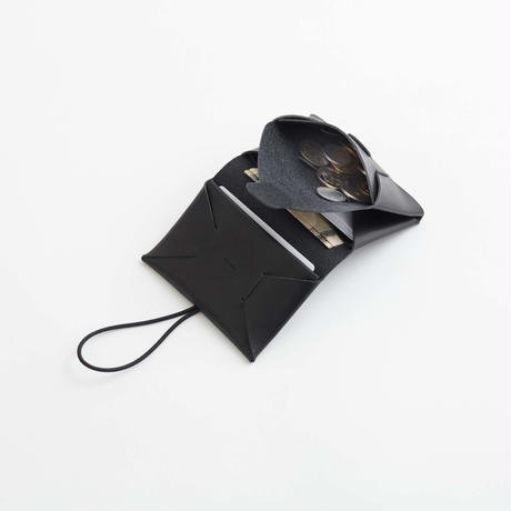 irose イロセ seamless mini wallet black コンンパクとな二つ折り財布