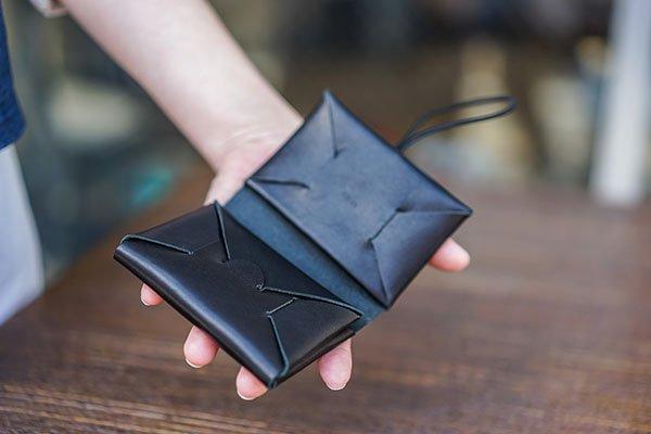 irose イロセ seamless mini wallet black 手のひらサイズの財布