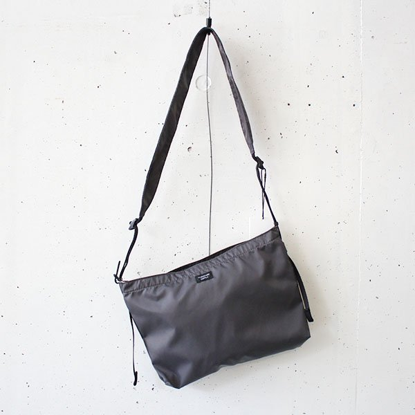 STANDARD SUPPLY(スタンダードサプライ)WEEKENDER / PACKABLE SHOULDER M DARK GRAY