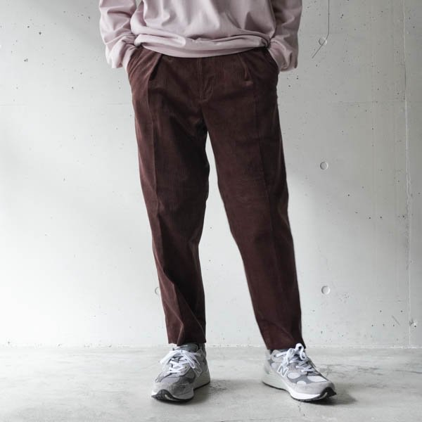 MARKAWARE (マーカウエア) PLEATED FRONT PEGTOP ORGANIC COTTON SELVEGE CORDUROY