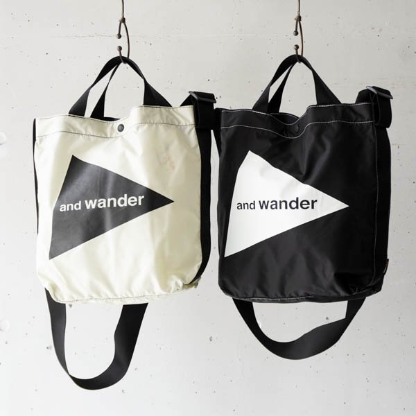 and wander(アンドワンダー) CORDURA  logo tote bag medium<img class='new_mark_img2' src='https://img.shop-pro.jp/img/new/icons4.gif' style='border:none;display:inline;margin:0px;padding:0px;width:auto;' />
