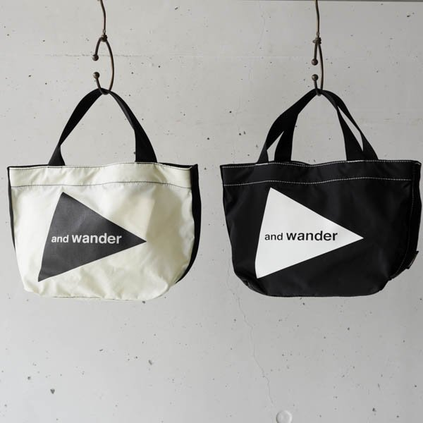 and wander(アンドワンダー) CORDURA  logo tote bag small<img class='new_mark_img2' src='https://img.shop-pro.jp/img/new/icons4.gif' style='border:none;display:inline;margin:0px;padding:0px;width:auto;' />