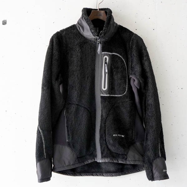 and wander(アンドワンダー) high loft fleece jacket