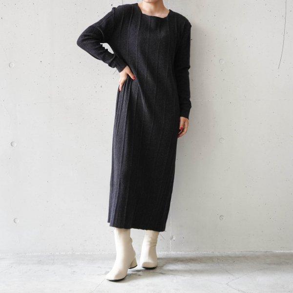 R JUBILEE(アール ジュビリー) Tuck Knit Dress