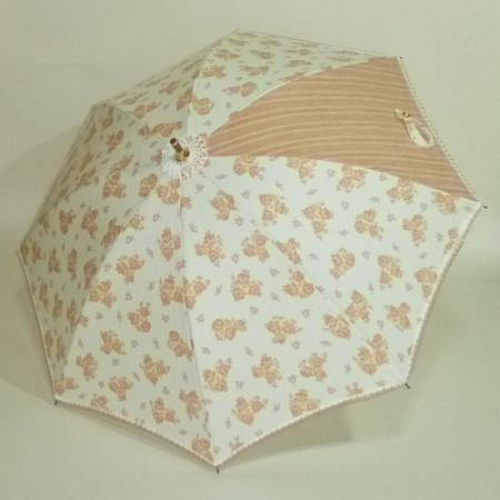 イタリアコットンピケ白地にベージュの花柄 カーボン製ストレッチ式日傘