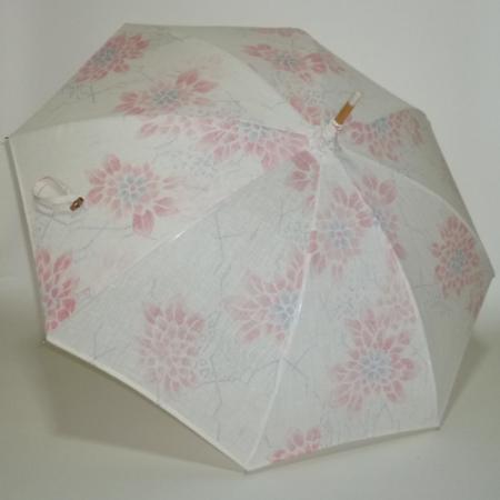 生也地に赤や墨色のダリヤ柄 小千谷ちぢみの優美な長傘  共布傘袋付