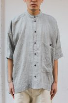 O project / SS WIDE FIT SHIRT light