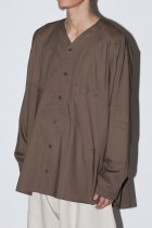 O project / V NECK OVER SHIRT - brown