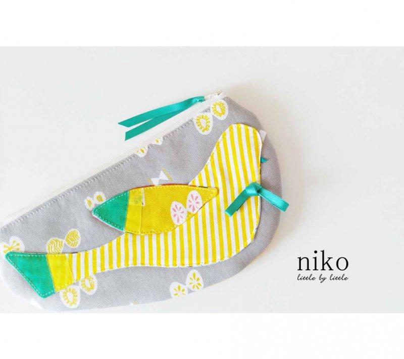 レモン色  キレイな黄色がさわやかな気持ちにしてくれるポーチ  さわやかな夏空のようなポーチ HAPPYバードポーチ