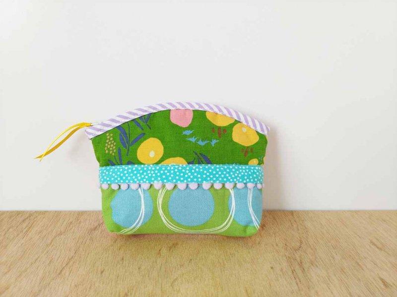 グリーンの花畑--日々を彩る 絵本をめくるように楽しい手のひらサイズのポーチ ティッシュケース付き