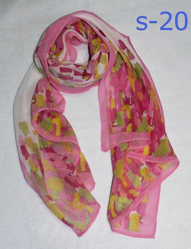 春夏秋冬一年中使える素朴な花柄大判ストール・シルク調スカーフ・ふわふわスカーフ・中国雑貨