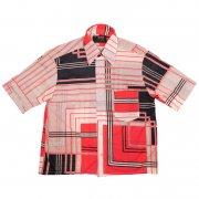 70年代製 USA VanCort ヴィンテージ レトロシャツ 幾何学模様柄 メンズ 半袖                 グレード:AB ランク  カラー:黒/赤/グレー 系  サイズ:S