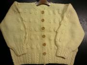 ヴィンテージ U.S.A. ケーブル編 凹凸模様 (アイボリー) 手編み 木製ボタン カーディガン (レディース L位)