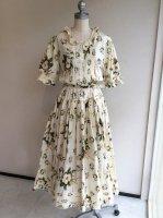 花柄ワンピース白 ロゴリボン飾り付き 00年夏 K02FA12/KANEKOISAO カネコイサオ