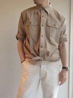 オフィサーシャツ ベージュ Officer shirt beige/Yarmo