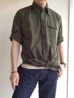 オフィサーシャツ グリーン Officer shirt green(メンズ42)/Yarmo