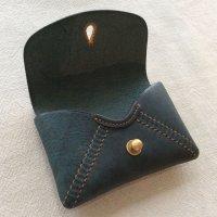 掬い縫いカードケース(ラピス)/スカンクとアルマジロ