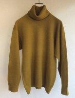 バーバリーのヴィンテージカシミアセーター 1970-1980's British Damaged Cashmere Turtle Neck Knit Brown<img class='new_mark_img2' src='https://img.shop-pro.jp/img/new/icons3.gif' style='border:none;display:inline;margin:0px;padding:0px;width:auto;' />