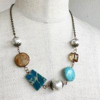 コットンパールと天然石のネックレス