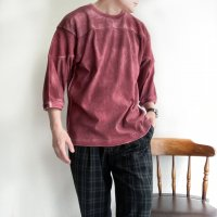 HAND SPRAY FOOTBALL TEE BURGUNDY/STRANGE TRIP