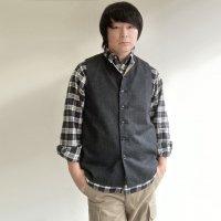 【2021年10月新作】classic artisanal tweed vest black/DjangoAtour<img class='new_mark_img2' src='https://img.shop-pro.jp/img/new/icons3.gif' style='border:none;display:inline;margin:0px;padding:0px;width:auto;' />