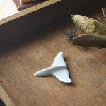 深山(miyama.) waterline-ウォーターライン- Whale's tail 箸置き 青[美濃焼]