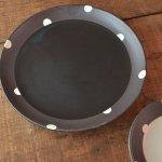 チョコ削り 18.5cm中皿 水玉/ブラック[美濃焼]