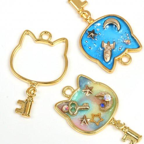 【空枠】ネコの顔カギ  《ゴールド》 [鍵,かぎ,キー,フレーム,レジン枠,ねこ,猫,にゃんこ,ニャンコ,動物,animal]