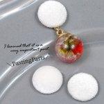 【貼付けパーツ】2個 ベルベットコーデュロイ ラウンド型 くるみボタン風《ホワイト》[白,ぼたん,デコ,ヘアゴム,pair]