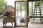 ◎△お急ぎ便不可△ イギリスアンティーク(住宅窓)可愛らしいピンクのダイヤ柄ステンドグラス es141354