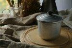 ◎△お急ぎ便不可△ 小さく可愛らしい鍋のような形をしたアルミキャニスター イギリスアンティークキッチン用品