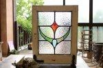 ◎△お急ぎ便不可△ 小さなステンドグラス ポコポコしたガラスの幾何学模様 赤、緑、青色 イギリスアンティーク