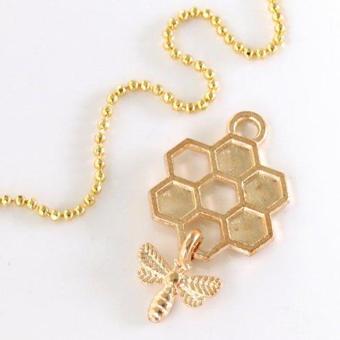 【チャーム】ゆらゆら揺れる金のミツバチ 《きれいめゴールド 》 [ミツバチ, 昆虫,蜂の巣,蜂,立体,ハチ,はち]◇