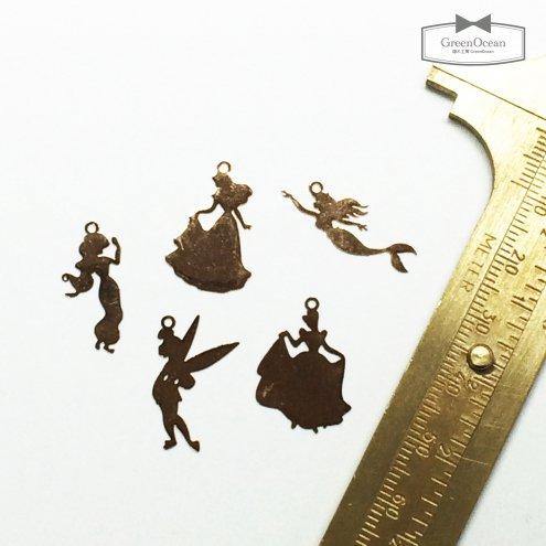 【メタルチャーム】5種 5人のプリンセス 《きれいめゴールド》 [薄い,パーツ,影絵,シルエット,封入]