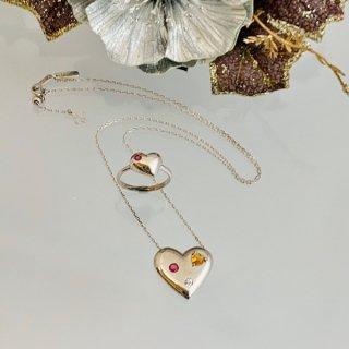 ハートのネックレスとリングのセット
