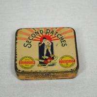 フランスの蚤の市で見つけたヴィンテージ缶 second patches