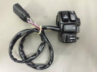 【中古 】ハーレー純正 スイッチボックス一式 右側 08-13モデル 電子スロットル スイッチボタン4つ