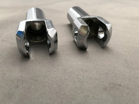 【中古 】ハーレー純正 パッセンジャーフットペグ サポートマウント 左右ペア 2000-05ソフテイル 50942-00