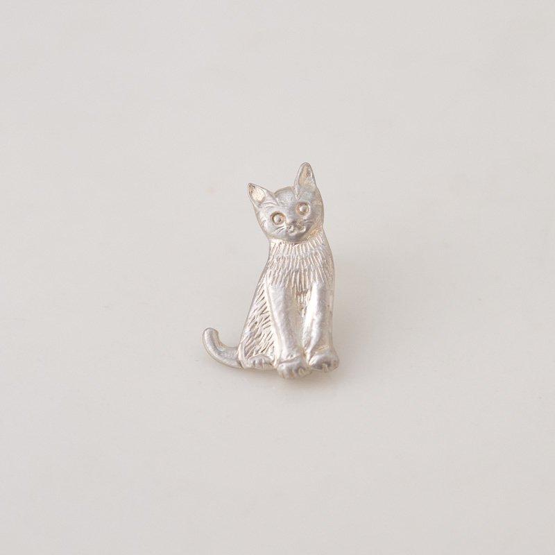 子猫のシルバーピンバッチ