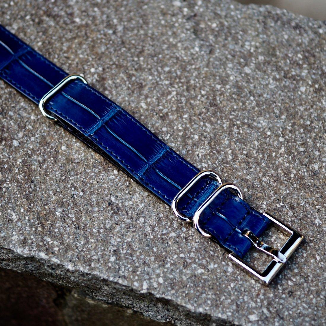 3169740a8f59 【7SENSE】クロコダイル・NATOベルト/本藍染(7SENSE Original Special Color)(20mm)