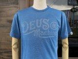 Deus Ex Machina デウス エクス マキナ DMP81116A 『 ENGINE INDIGO TEE 』T-SHIRT Tシャツ 半袖 LIGHT BLUE