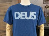 Deus Ex Machina デウス エクス マキナ  DMS71892B 『 ALL CAPS INDIGO TEE 』T-SHIRT Tシャツ 半袖 DARK BLUE