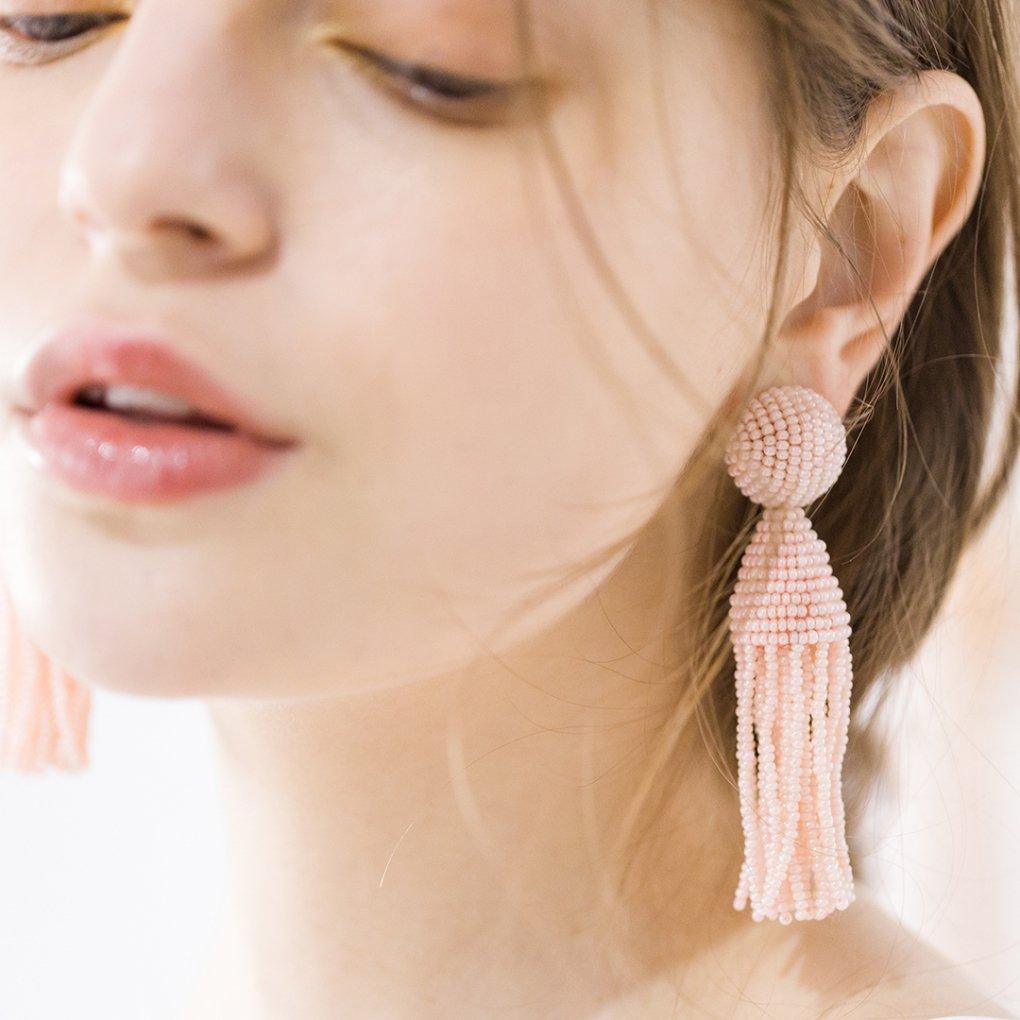 【R】Classic Short Tassel Earring(クラシックショートタッセルイヤリング)(ライトピンク)Oscar de la Renta(オスカーデラレンタ)