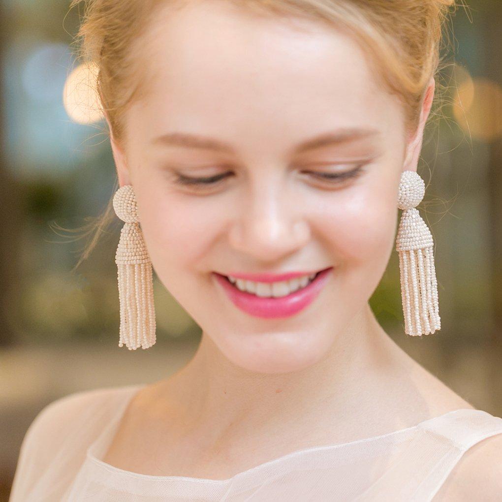 【R】Classic Short Tassel Earring(クラシックショートタッセルイヤリング)(オフ)Oscar de la Renta(オスカーデラレンタ)