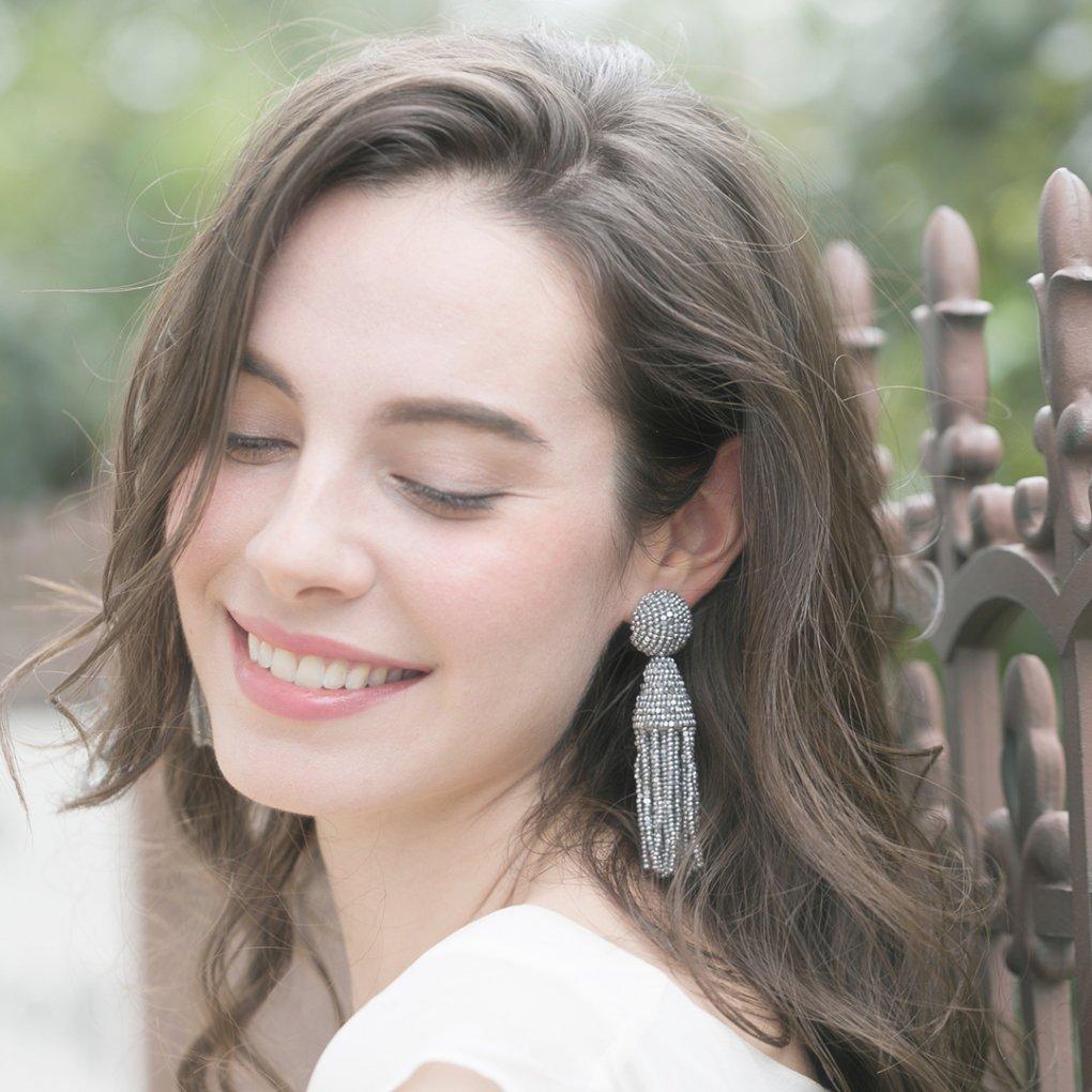 【R】Classic Short Tassel Earring(クラシックショートタッセルイヤリング)(シルバー)Oscar de la Renta(オスカーデラレンタ)
