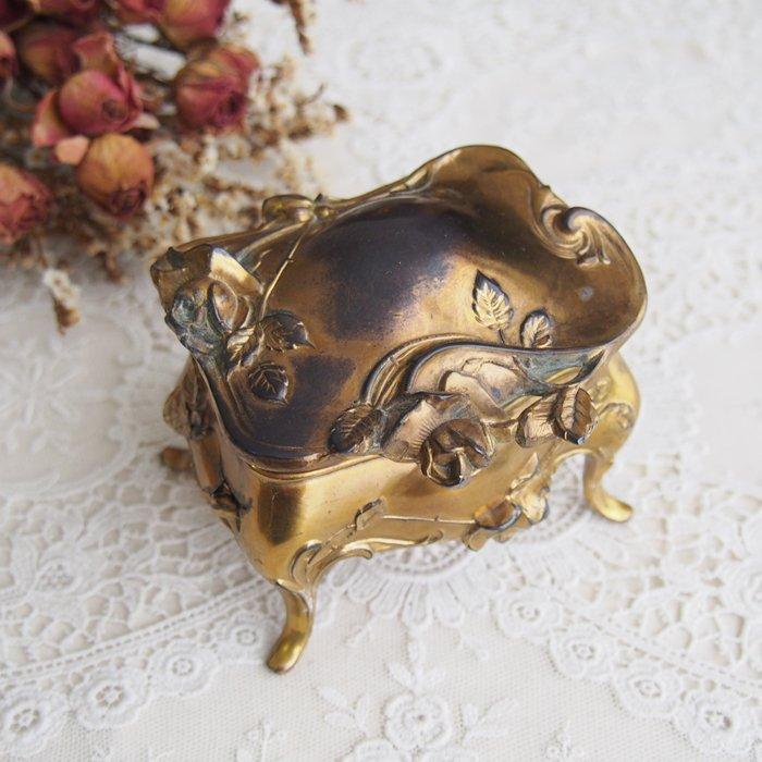 ジュエリーケース・ボックス 薔薇模様の宝石箱 M / アンティーク・ヴィンテージ雑貨