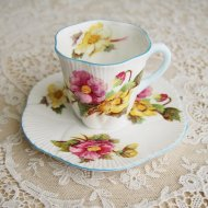 イギリス Shelley シェリー Begonia ベゴニア デミタスカップ&ソーサー