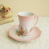 ローズ・薔薇模様 可愛いピンク色のデミカップ&ソーサー